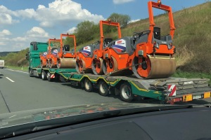 Gap snap   ken stewart   new hamm 135cm rollers spotted in transit from germany to our depots listing