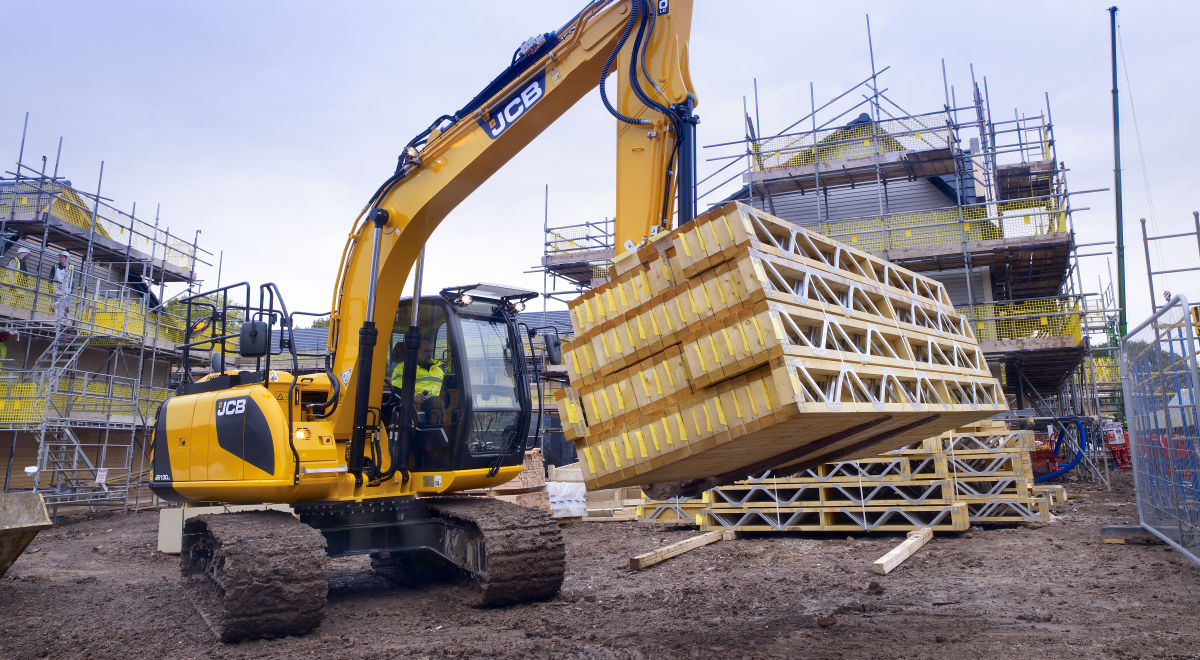 Me075   13t excavator on site (2) product feature